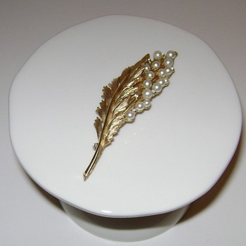 Trifari Brooch with Rhinestones and Faux Pearls