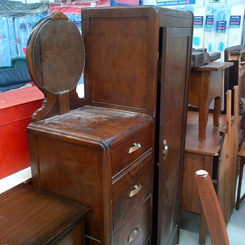 Art Deco Furniture. - Furniture