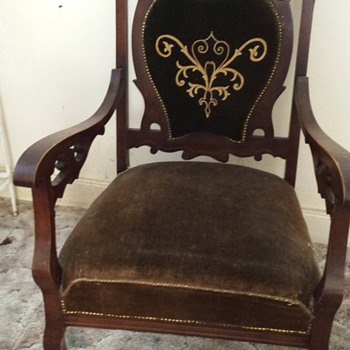 I inherited this chair and would love to know the style or any other information about it. - Furniture