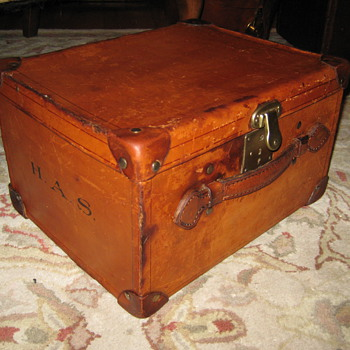 Antique Sinclair & Co. English Top Hat Trunk