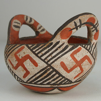 Small Apache ? tourist pot - Art Pottery