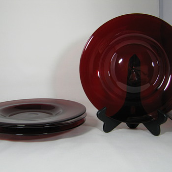 4 Carder Steuben Selenium Red Hand Blown Art Glass Plates 11 inch #2028