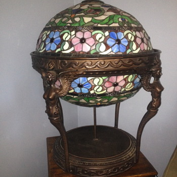 Tiffany style globe lamp - Lamps
