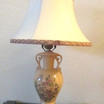 Vintage Table Lamp #2 Help