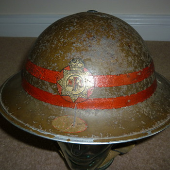 Senior Fire Officer WW11 steel helmet. - Military and Wartime