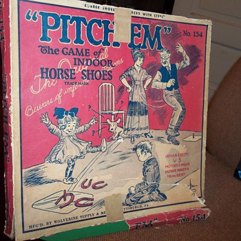 VINTAGE INDOOR HORSE SHOE SET