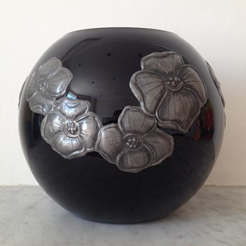 "Pewtered black glass globe marked ""Tchecoslovaquie"" - Art Glass"