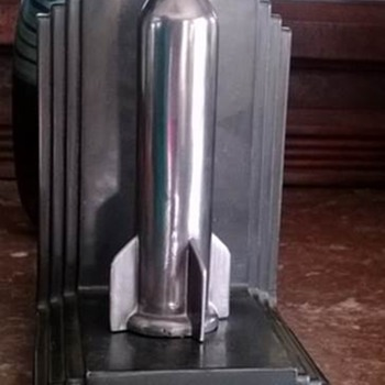 Rare Jennings Brothers Deco Rocket or Missile Bookends! - Art Deco