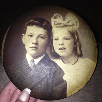 Antique tin type (?) circular photo - Photographs