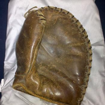 1920s? Rawlings Babe Ruth baseball mitt