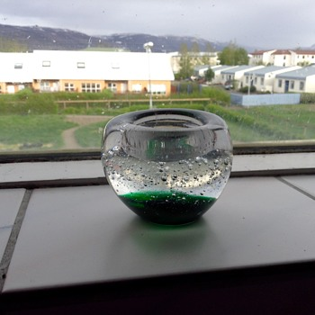 Clear and green tealight candle holder