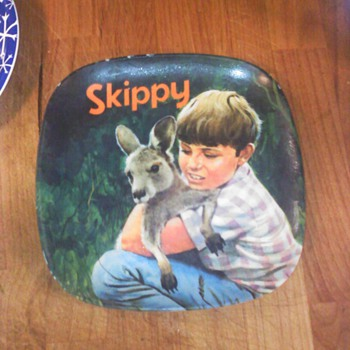SKIPPY PLATE - China and Dinnerware