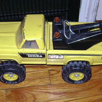 Tonka Tow Truck - Model Cars