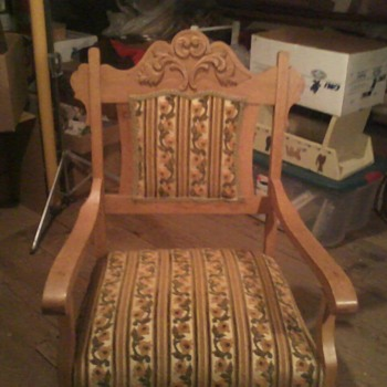 Grandparent's chair (possibly German?) - Furniture