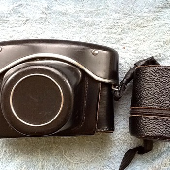 1966-praktica nova b outfit-m42-wide 28-3x-135mm lenses.