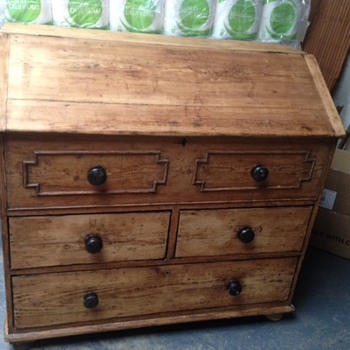 Georgian/Victorian Rustic Pine Bureau Lift up Lid?