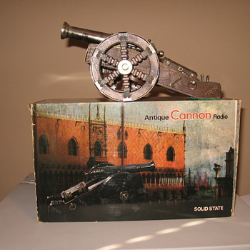 antique Spanish cannon radio.