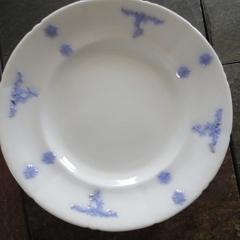 old vintage plates - China and Dinnerware
