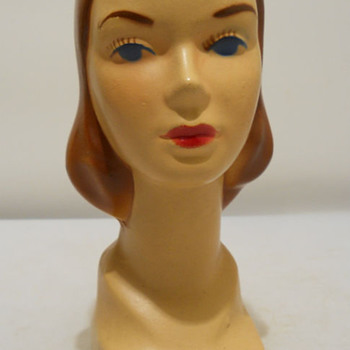1940's Mannequin bust that came boxed with Minature Hat Patterns