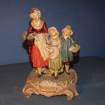 Mystery Yardley&#039;s Lavender figurine 