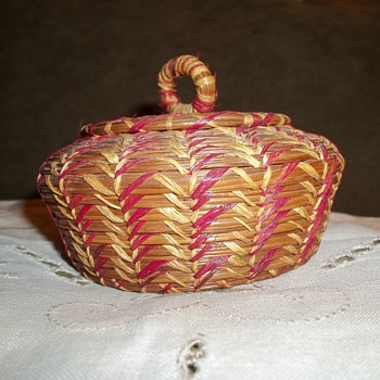 Native American Seminole Basket - Native American