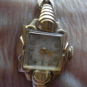 Ladies 1954 Bulova Watch.