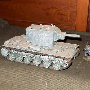 KV-2 WWII Soviet Tank Model 1/35 Scale - Military and Wartime