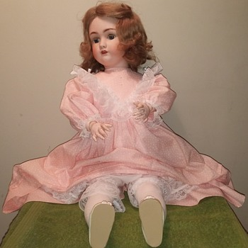 Simon Halbig mold # 1348 - Dolls
