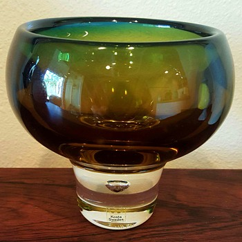Vicke Lindstrand Glass Bowl Signed
