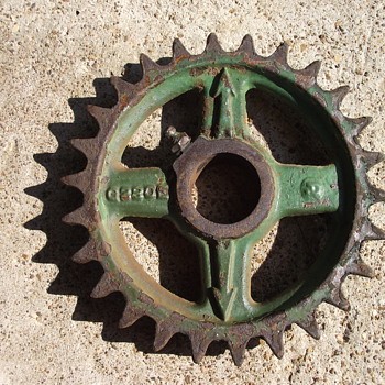 Antique John Deere Part???....Need help identifying - Tractors