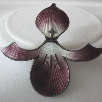 Art Deco Norwegian enameled Silver flower brooch