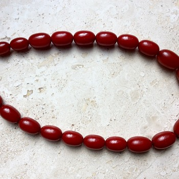 Cherry red bakelite necklace - Costume Jewelry