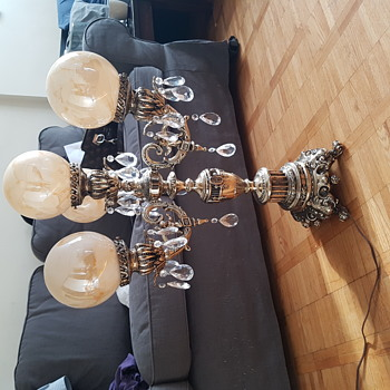 Antique 1976 lamp