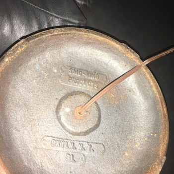 I need help identifying this lamp