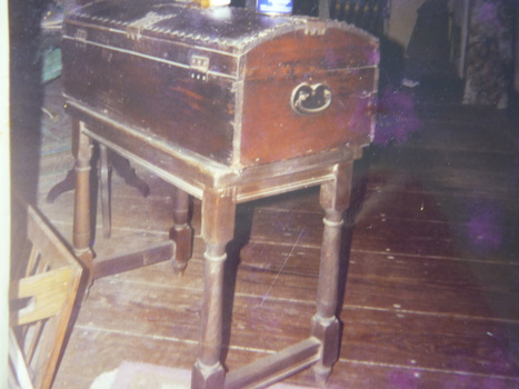 Trunk or seaman 39 s chest collectors weekly for Seamans furniture
