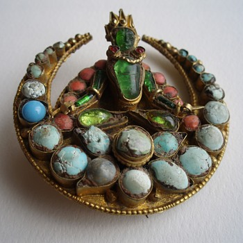 Nepalese brooch/pin with turquoise/coral/glass