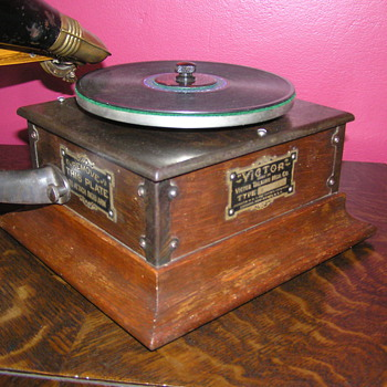 Victor Royal pre dog,  C 1900 - Records
