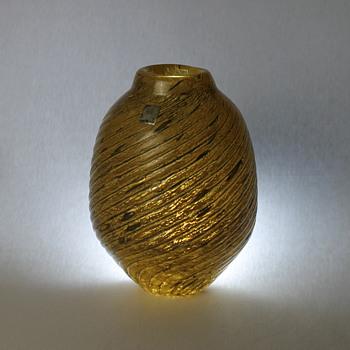 Small vase from Iwatsu Glass - Art Glass