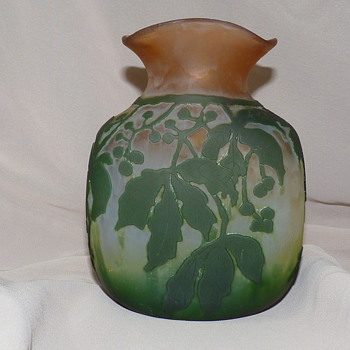 Legras cameo vase.  - Art Glass