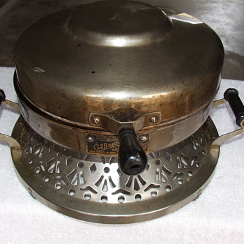 Restored 1925 Club Electric Waffle Mould