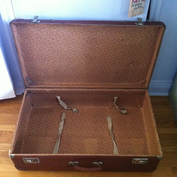 Trunk from the late 1950 or early 1960 era?
