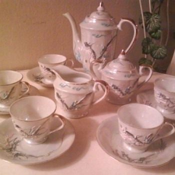 Vintage Maruku Dragon Demitasse/Tea Set - China and Dinnerware