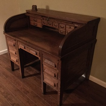 Roll Top Hand-Me-Down Desk