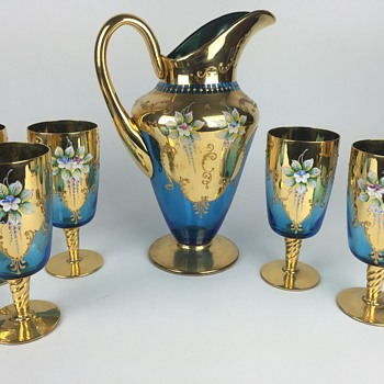 What is this?  Gold & Blue pitcher and glasses