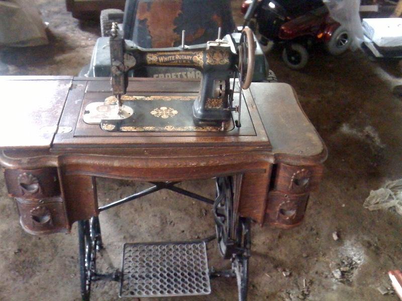 white rotary sewing machine worth