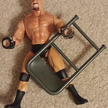 Grip N Flip Wrestler Goldberg Figurine w/Chair