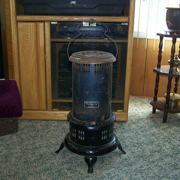 Vintage Kerosene Heater US Stove Company Model US89P