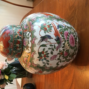 Huge Chinese lidded jar