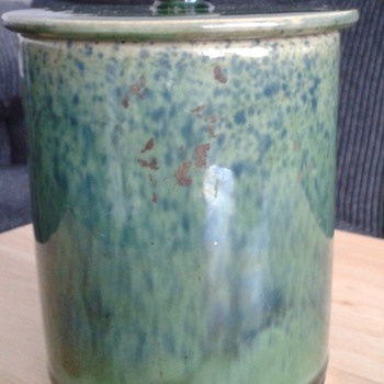 1920s Tea Caddy ? Buchan Waverley Pottery !