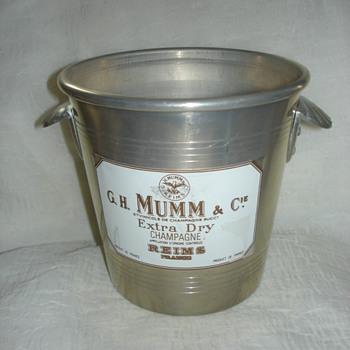 G.H. MUMM & CIENE EXTRA DRY CHAMPAGNE ICE BUCKET